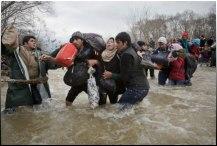 Πρόσφυγες σε χείμαρρο